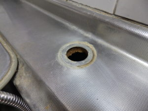 キッチンの台の穴