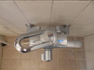 壁付きシングルレバー混合栓(上部)